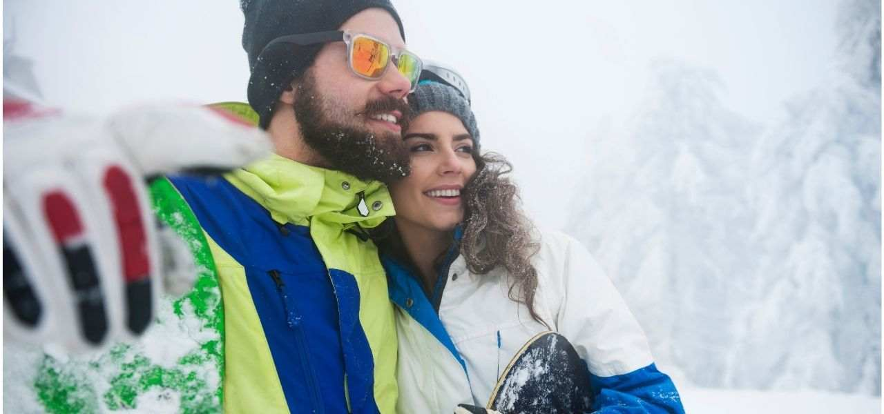 Go on a skiing date